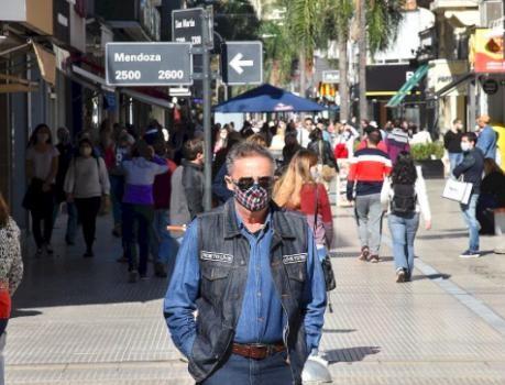 Santa Fe ciudad informó más positivos diarios que Rosario