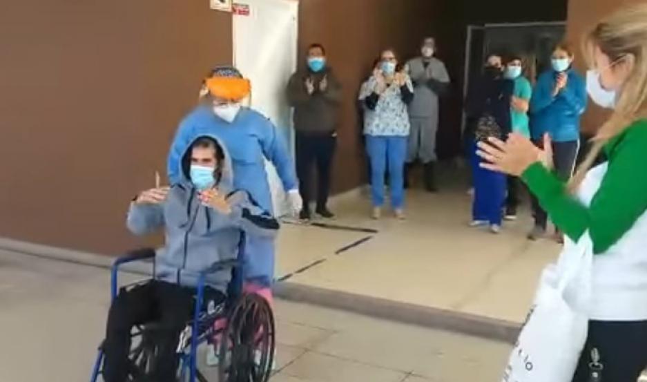 Estuvo más de 30 días internado, con dos intubaciones y sobrevivió