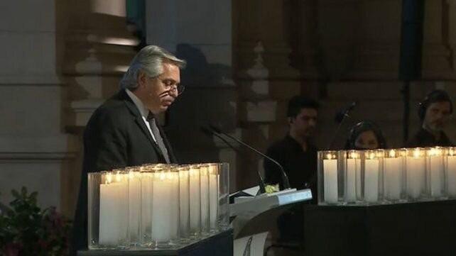 Fernández homenajeó a las víctimas del Covid: