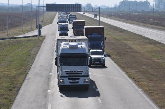 El lunes no dejarán entrar camiones desde Santa Fe a Santiago del Estero por protesta de camioneros