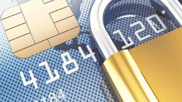 Operaciones sospechosas con dólares: en qué casos bloquean las cuentas bancarias