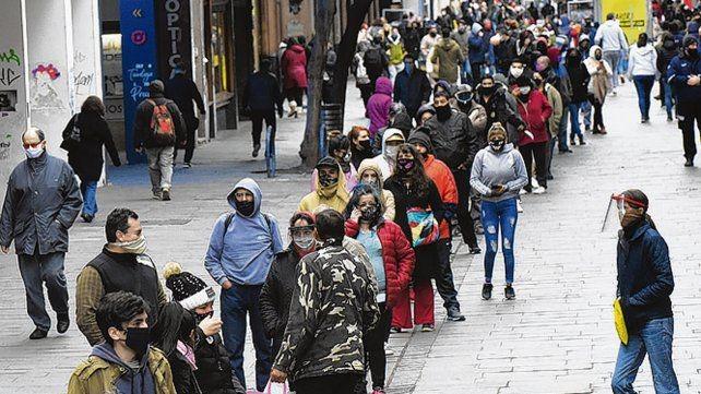 La angustia y el desempleo unen las historias de quienes cobran el IFE