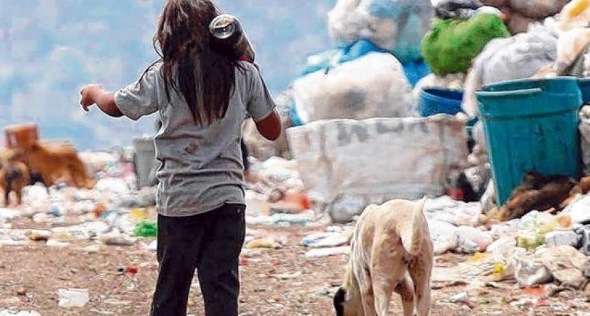 La pobreza subió 7 puntos durante la pandemia y ya se ubica en el 45 por ciento