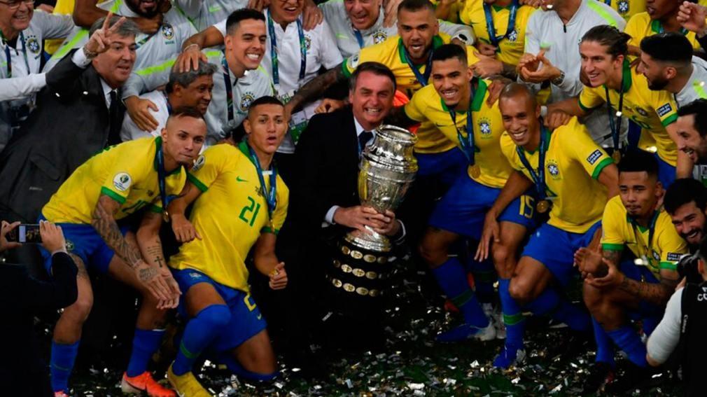 Bolsonaro confía en una goleada de Brasil: