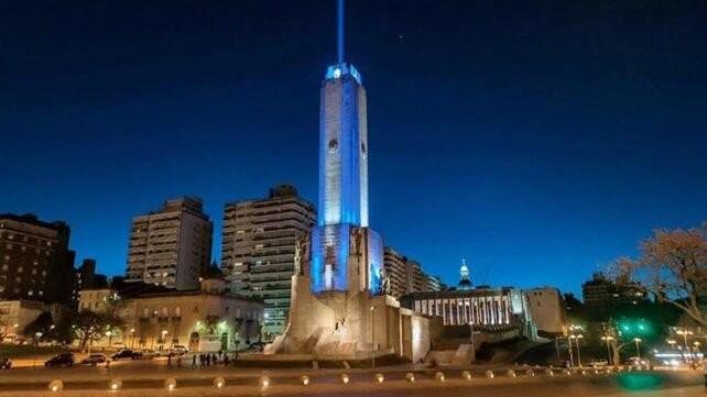 Mapping de Messi y luces celestes y blancas en el Monumento para apoyar a la selección