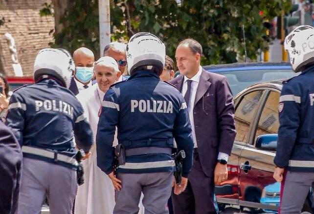El Papa volvió al Vaticano 10 días después de su operación de colon