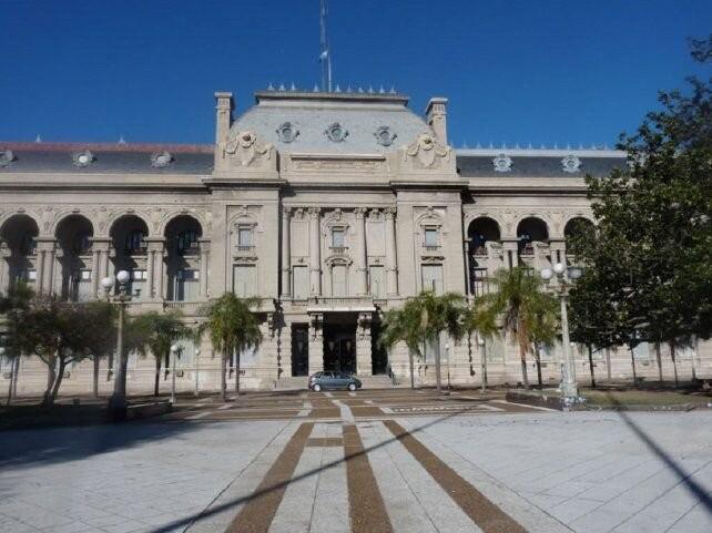 Tensa calma en Santa Fe entre el Ejecutivo, la Legislatura y la Justicia