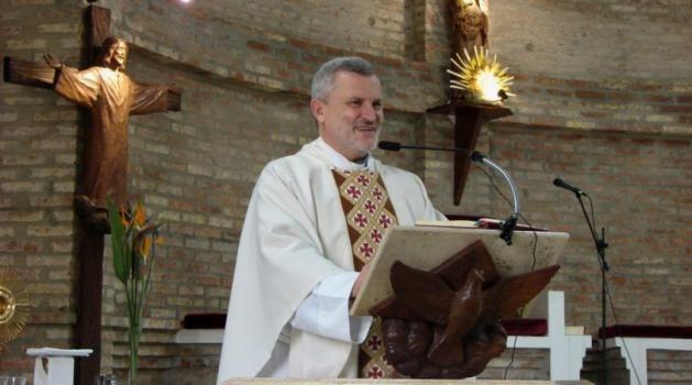 Declararán Santafesino Ilustre al Padre Axel