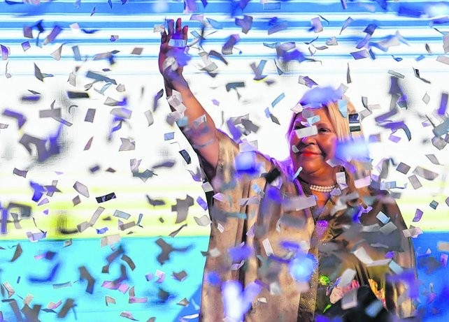 Carrió arrasó en Capital Federal y el PJ desplazó al tercer lugar a Lousteau