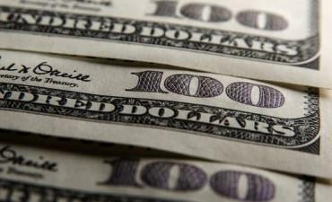 El Banco Central vendió USD 584 millones, pero no detuvo la suba del dólar