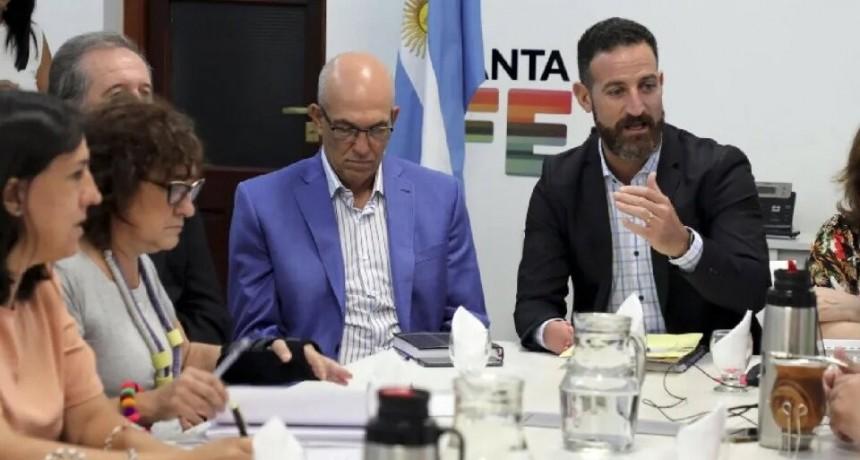 Provincia reconoce que no está en condiciones de discutir salarios