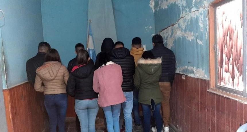 Bandera: 11 personas detenidas por violar el distanciamiento y realizar una fiesta clandestina