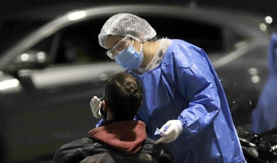 Este viernes, Santiago tuvo 374 nuevos casos y cuatro fallecidos más