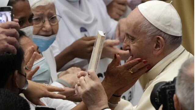 El Papa llamó
