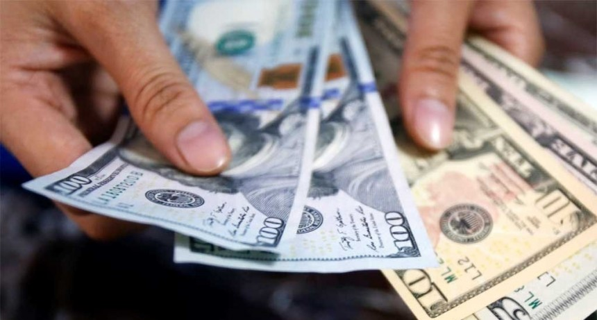 Dólar Hoy: Tras un lunes de anuncios la divisa cerró en $ 38,99