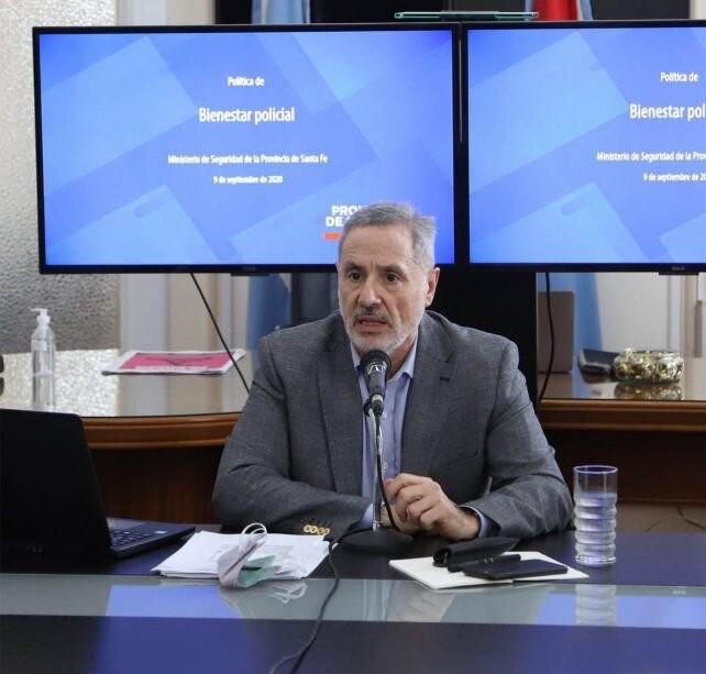 Sain volvió a mostrar cómo serán los aumentos salariales para la Policía provincial