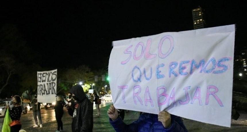 Rosario y Venado Tuerto marcharon en rebeldía a la cuarentena estricta