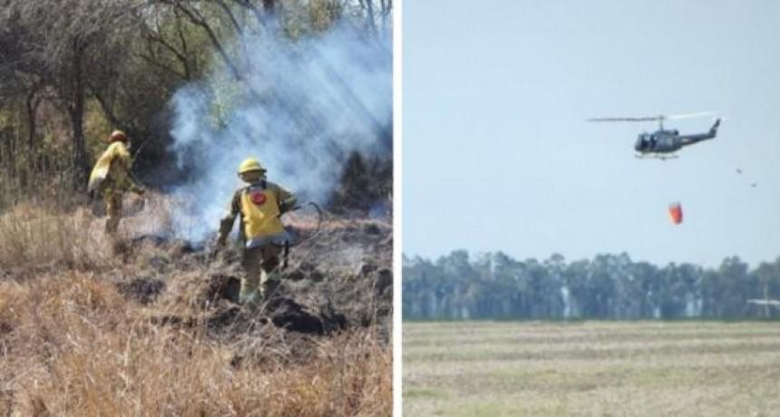 Brigadistas, aviones y helicópteros combatieron las llamas en el norte y sur santafesino