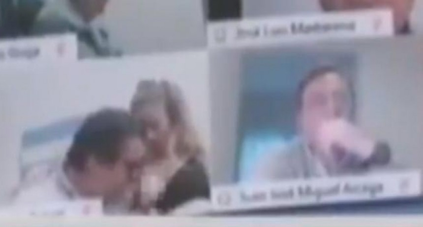 Suspendieron a Juan Emilio Ameri, el diputado que protagonizó una escena sexual en plena sesión virtual