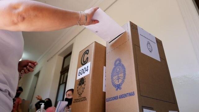 Ultimos ajustes a las campañas para las elecciones generales en Santa Fe