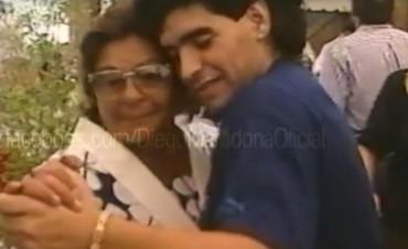 El emotivo video de Diego Maradona para Doña Tota en el Día de la Madre
