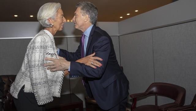 Junto al FMI, el Gobierno evaluará el año que viene una reforma del sistema jubilatorio