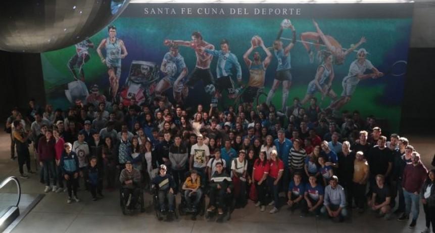 La provincia entregó apoyos económicos a 700 deportistas y entrenadores