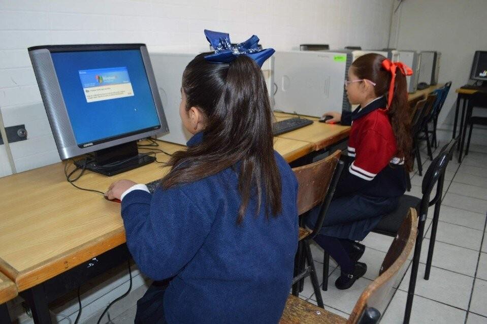 El 72% de las escuelas de la provincia no tiene Internet disponible para los chicos