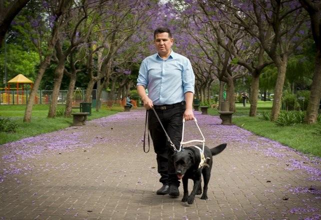 El primer ciego al frente de la Agencia de Discapacidad apunta a romper viejas estructuras