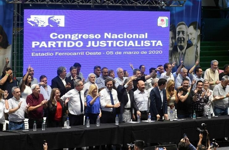 """El PJ cruzó a Macri y pidió """"no entrar en la provocación de agentes del odio"""""""