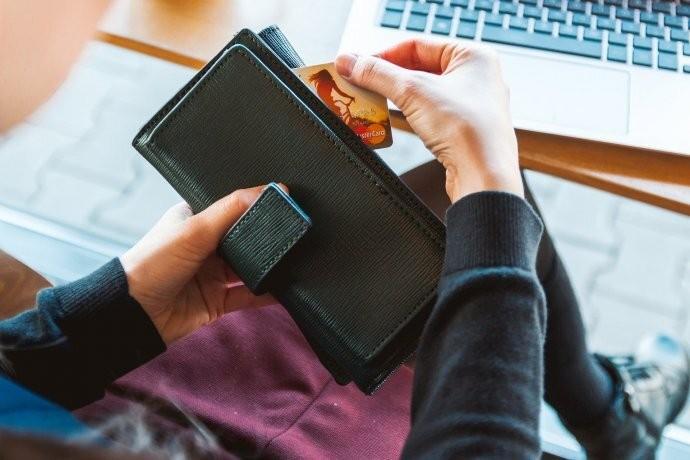 Cambios de consumo: advierten que las familias se stockean por miedo a una devaluación