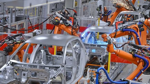 Aumentó en septiembre la producción de autos, cemento y motos