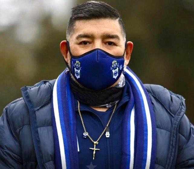 Maradona fue aislado por haber estado en contacto con un positivo de coronavirus