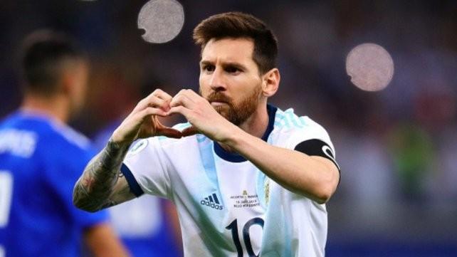 Un ex vicepresidente de Barcelona asegura que Messi sigue pensando retirarse en Newell's
