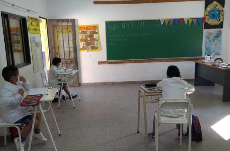 Suspendieron las clases en dos escuelas rurales por contagios de COVID-19