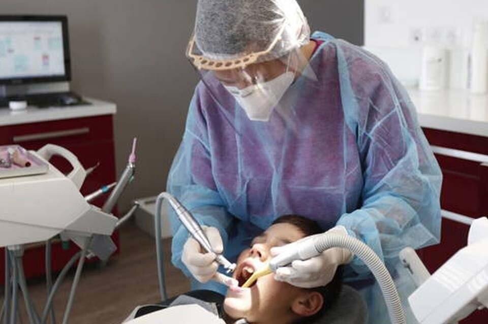 Odontólogos cortan algunas prestaciones para afiliados de IAPOS