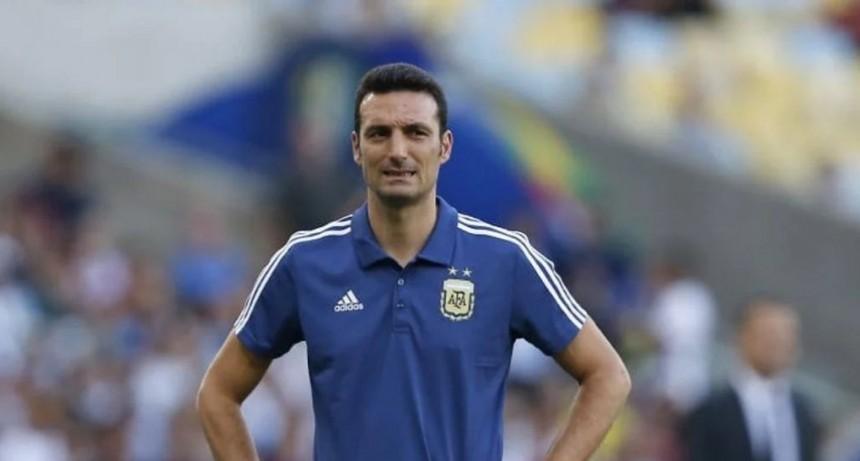 Con siete bajas, Scaloni cerró la lista con cinco jugadores del fútbol local
