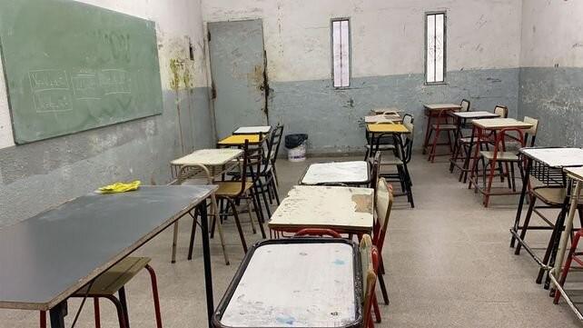 El gobierno anticipó que descontará el día a los docentes que hagan paro