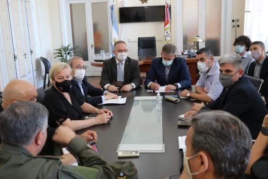 El ministro Lagna confirmó que vendrán a Santa Fe 102 efectivos de Gendarmería Nacional