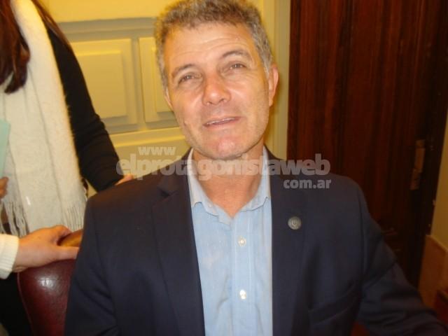 Agua potable como bebida en eventos masivos en la propuesta de Martínez
