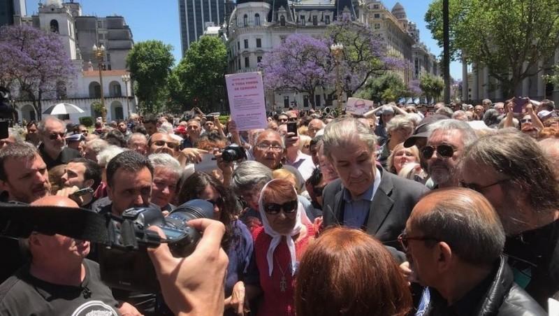 Le armaron un acto a Víctor Hugo Morales en Plaza de Mayo y denunció