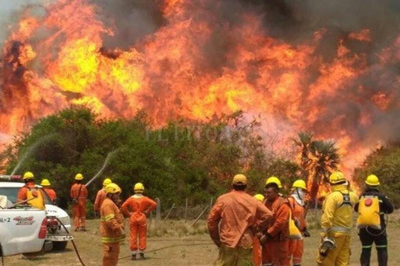 El fuego ya consumió 10.000 hectáreas en Córdoba