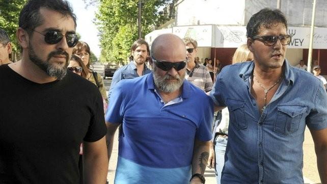 Familiares, amigos y dirigentes despiden a Santiago Maldonado