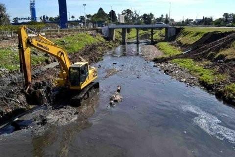 Utilizarán el residuo de la caña de azúcar para descontaminar el agua
