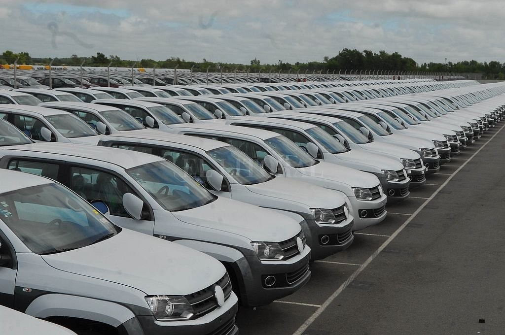 El patentamiento de autos sufrió la peor baja del año