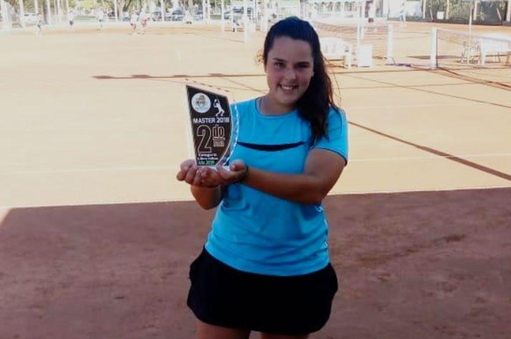 Orgullo santafesino: la joven tenista ceresina que lleva más de 40 trofeos ganados
