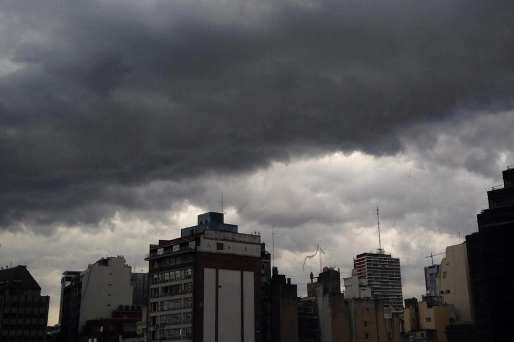 Alerta meteorológica en la Ciudad por fuertes tormentas y probable caída de granizo