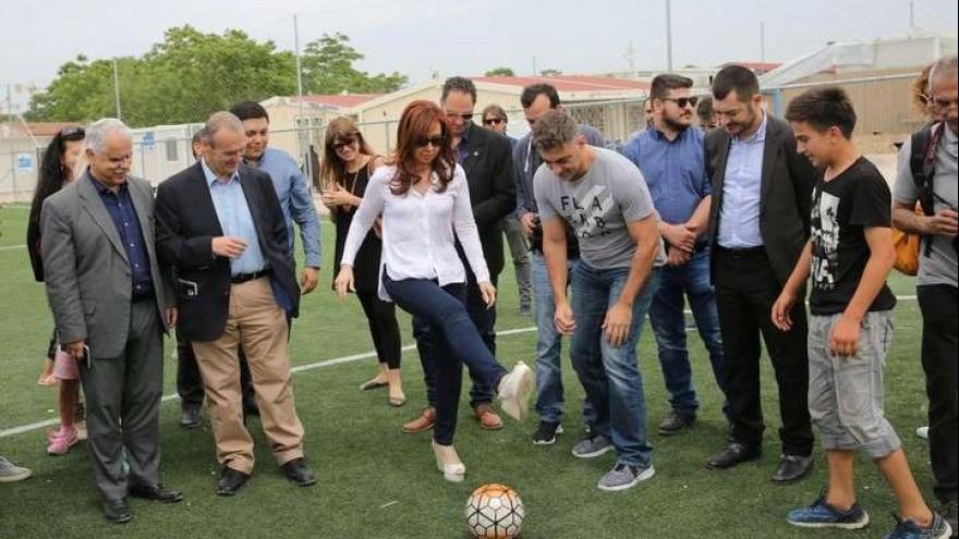 Una investigación destapó el multimillonario negociado escondido en Fútbol para Todos