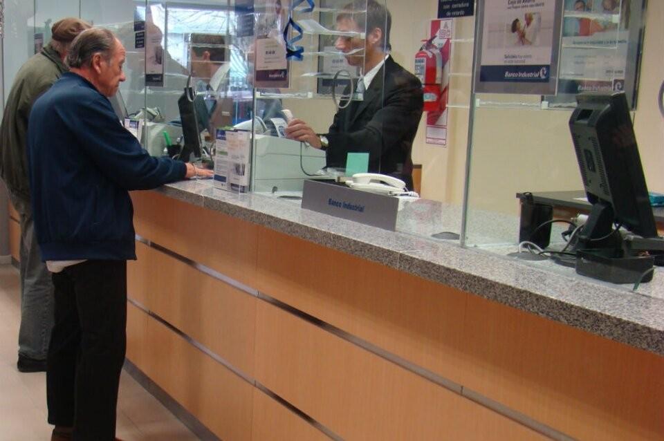 Jubilaciones: el Gobierno buscará que se ajusten por salarios y recaudación