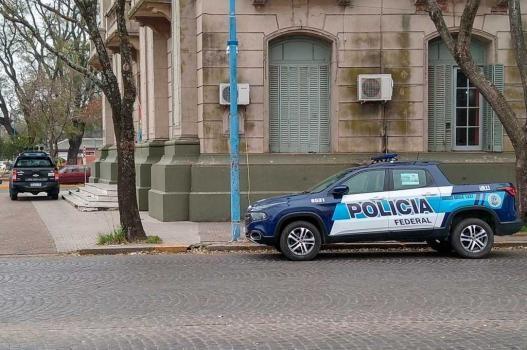 Un policía de la Unidad Regional V fue detenido cuando repartía cocaína en Rafaela